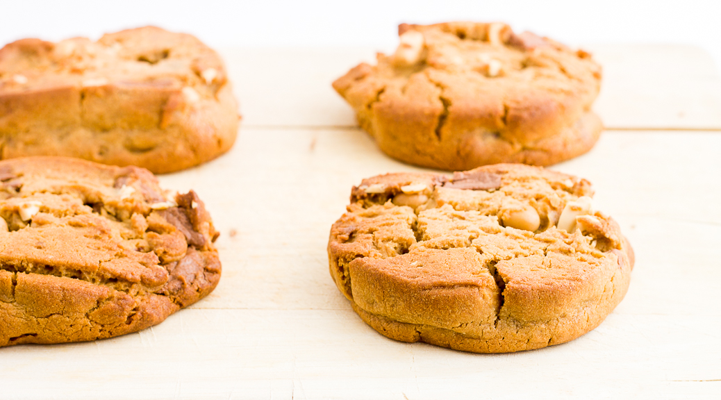 les cookies cacahu te chocolat au lait d 39 eric kayser. Black Bedroom Furniture Sets. Home Design Ideas